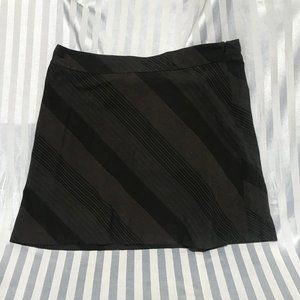 Old Navy Stretch striped skirt sz 18
